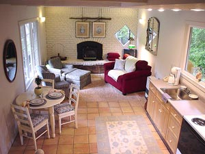 living area of mendocino vacation rental cottage